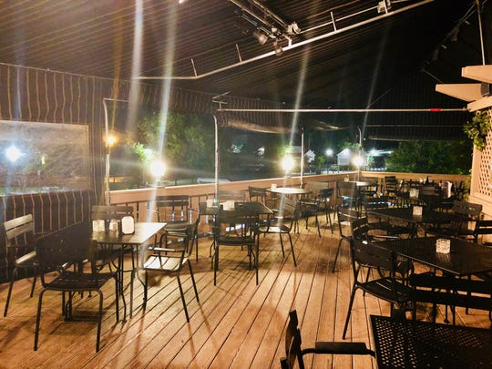 Porterhouse is casual and welcoming, so you can come as you are. A patio allows you to dine on the water.