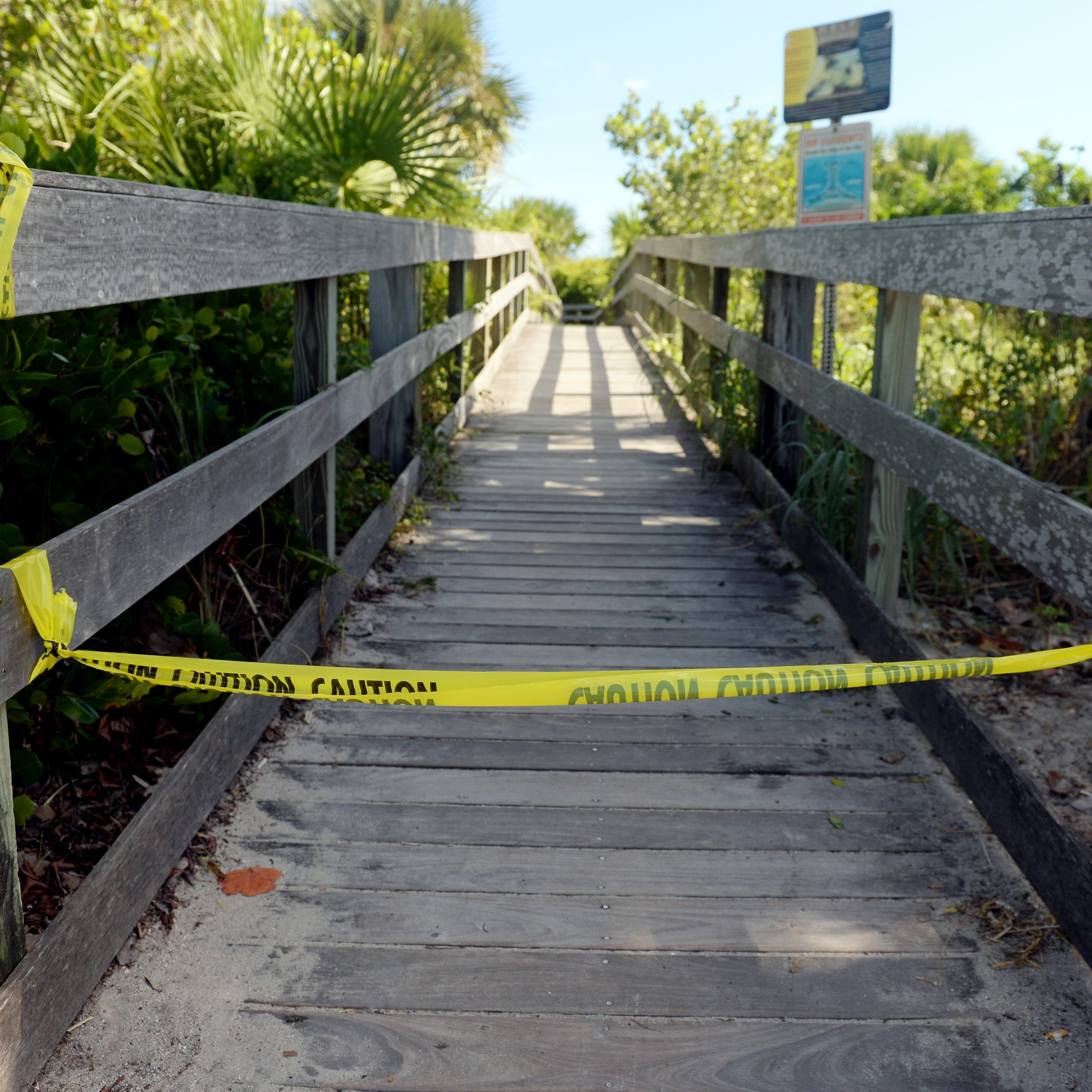 Red tide still closing beaches, killing fish, causing coughs along Treasure Coast | Map