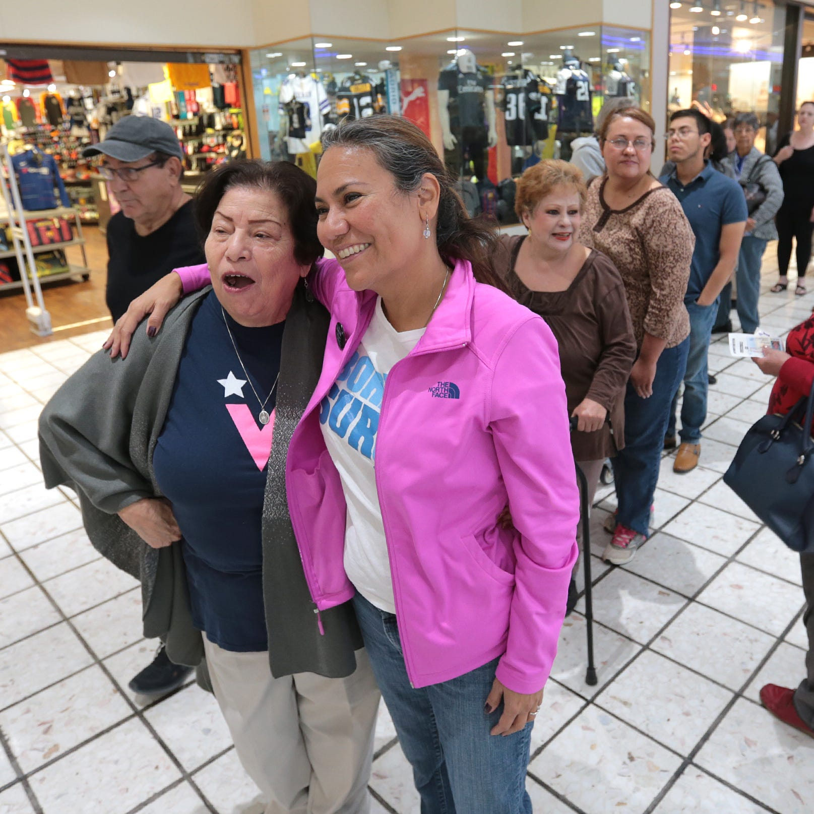 Long Lines Greet Voters at Early Voting Stations in El Paso
