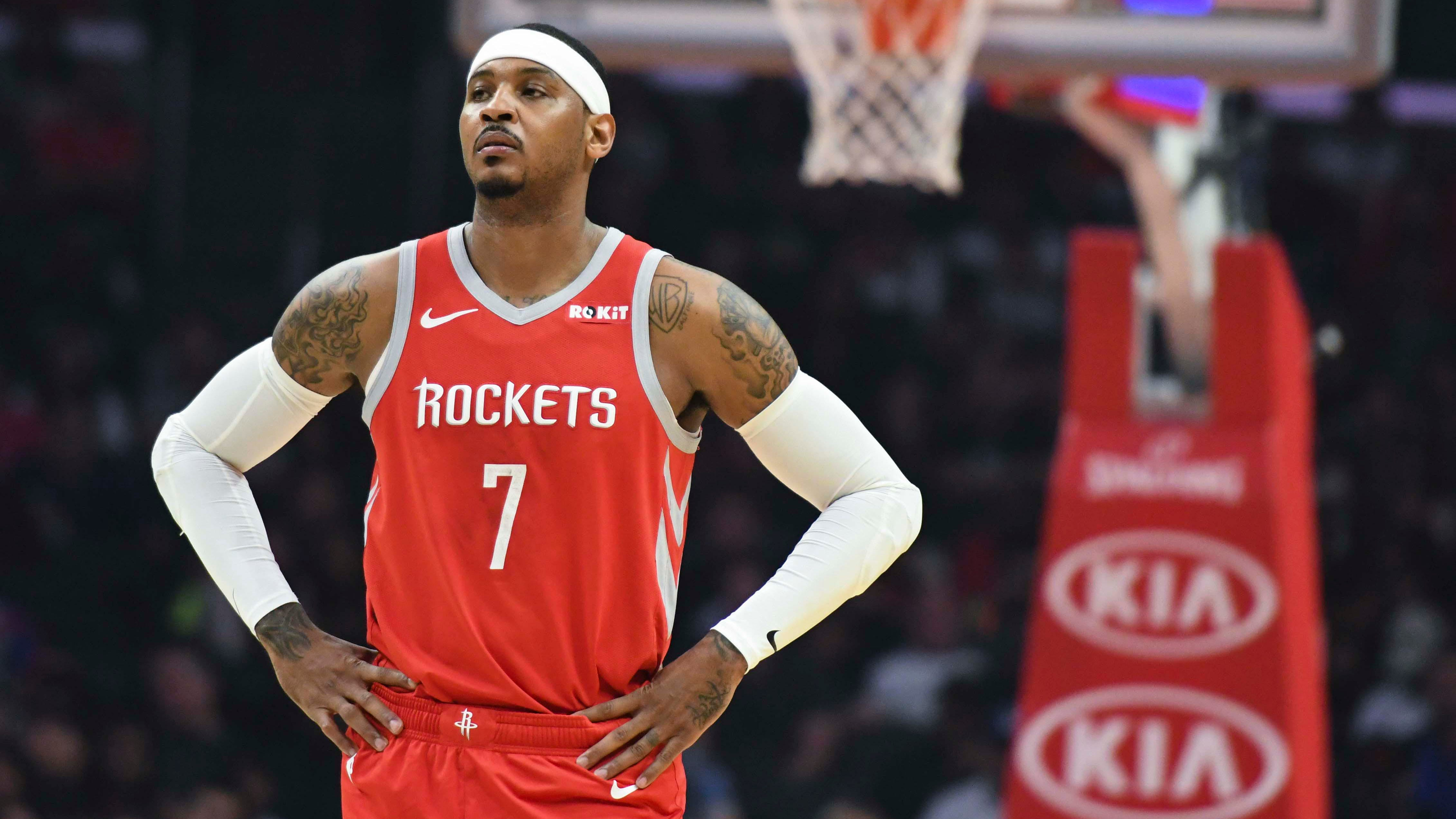 Houston Rockets forward Carmelo Anthony (7) watches a teammate shoot free throws during the second quarter against the Clippers at Staples Center.