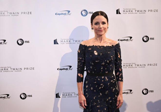 Julia Louis-Dreyfus poses on the red carpet before receiving the Mark Twain Prize for American Humor on Oct. 21, 2018.