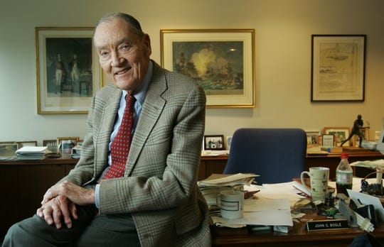 4/12/07 1:04:30 PM -- Malvern, PA  -- Jack Bogle, founder and former chief executive of The Vanguard Group, Inc. and President of the Bogle Financial Markets Research Center.  He is photographed in his office at Vanguard Group, Inc. in Malvern, PA. Photo by Eileen Blass, USA TODAY staff  ORG XMIT: EB 31612 INDEX 4/12/2007  (Via MerlinFTP Drop)