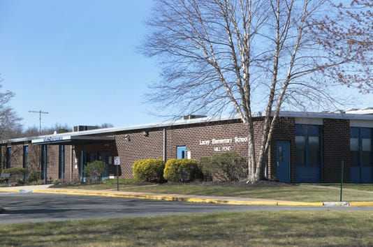 Laceymillpondschool160329a