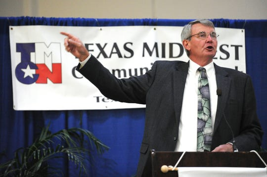 """""""You are who Google says you are,"""" Bob Dixson, Mayor of Greensburg, Kansas, tells attendees at the 2011 annual meeting of the Texas Midwest Community Network Wednesday."""
