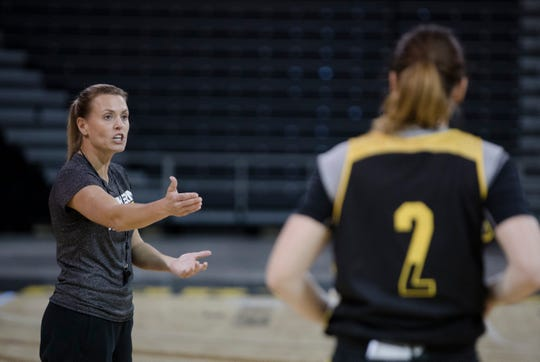 Northern Kentucky players accuse women's basketball coach of bullying, abuse