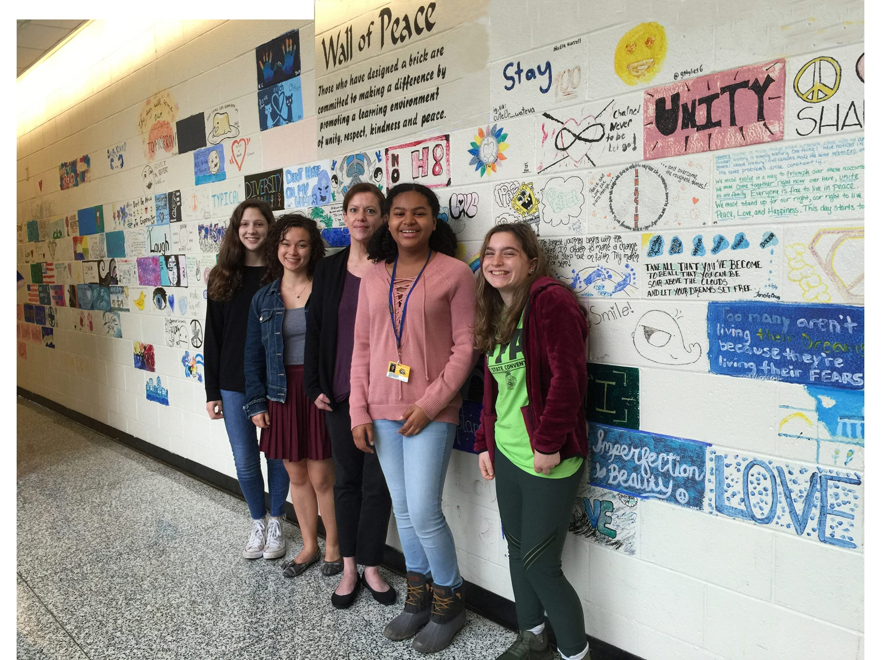 (l-r) SCVTHS students and Friends of Rachel club members Grace Coulbourne of Branchburg, Phoebe Chen of Hillsborough, SCVTHS SAC/Mental Health Counselor Donna Lenox, SCVTHS students Shianti Frazier of North Plainfield and Maria Scarpantonio of Manville pose for a photo during the Linkages Department event.