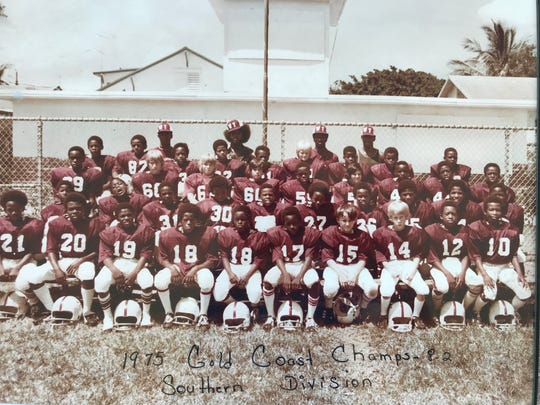 Former Detroit Lions safety Bennie Blades (second row, third from right) helped his youth football team win the Gold Coast championship in 1975.