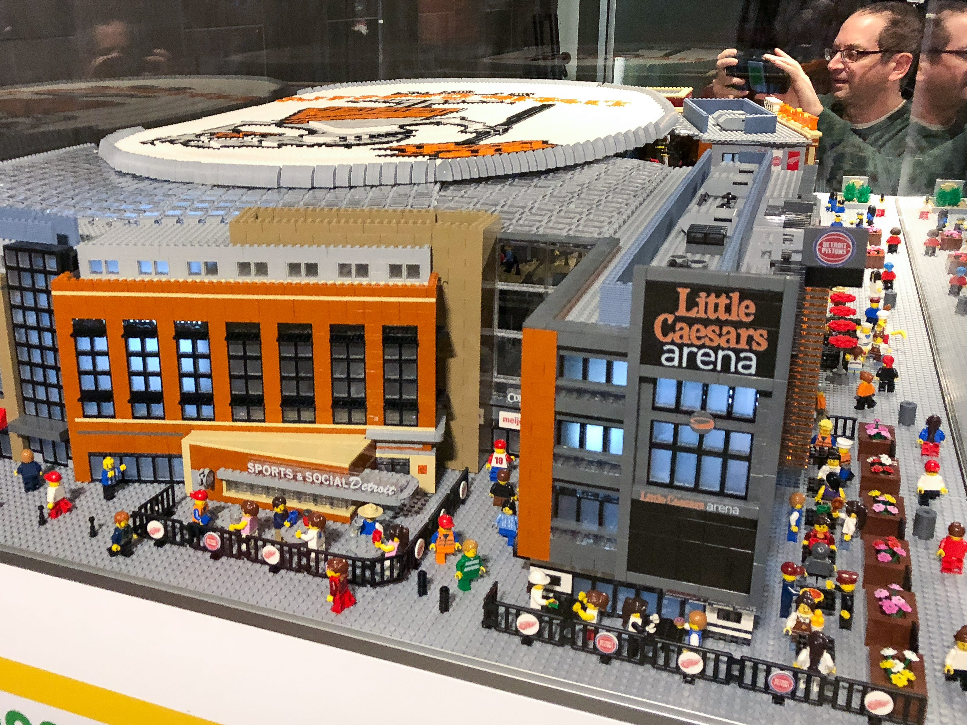 LEGOLAND of Auburn Hills unveiled its 6-foot-long, 30-000-piece model of Little Caesars Arena on Monday night between the first and second periods of the Red Wings-Hurricanes game.
