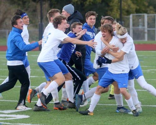 ELM Class AA Boys Soccer_01