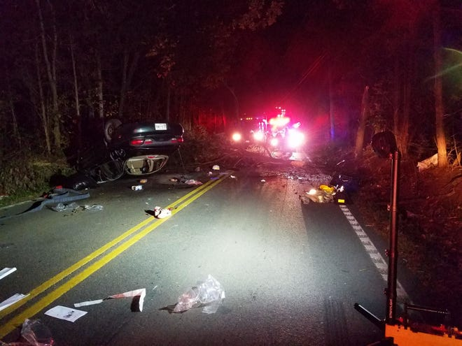 A car crash on East Raccoon Valley Road in North Knox County sent four people to the hospital on Monday, Oct. 22, 2018.