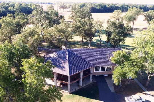 This property includes 1424 acres of prime Louisiana landscape.