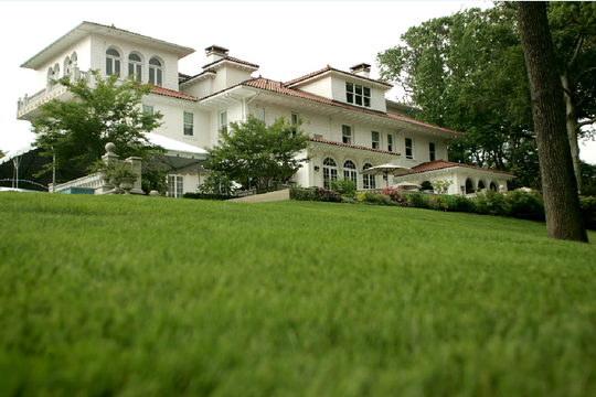 Exterior of the Gloria Crest Estate