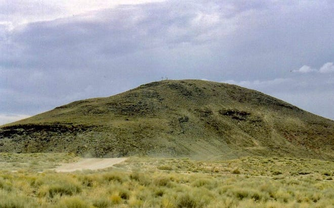 Tomé Hill, between Belen and Los Lunas, seen from the south.