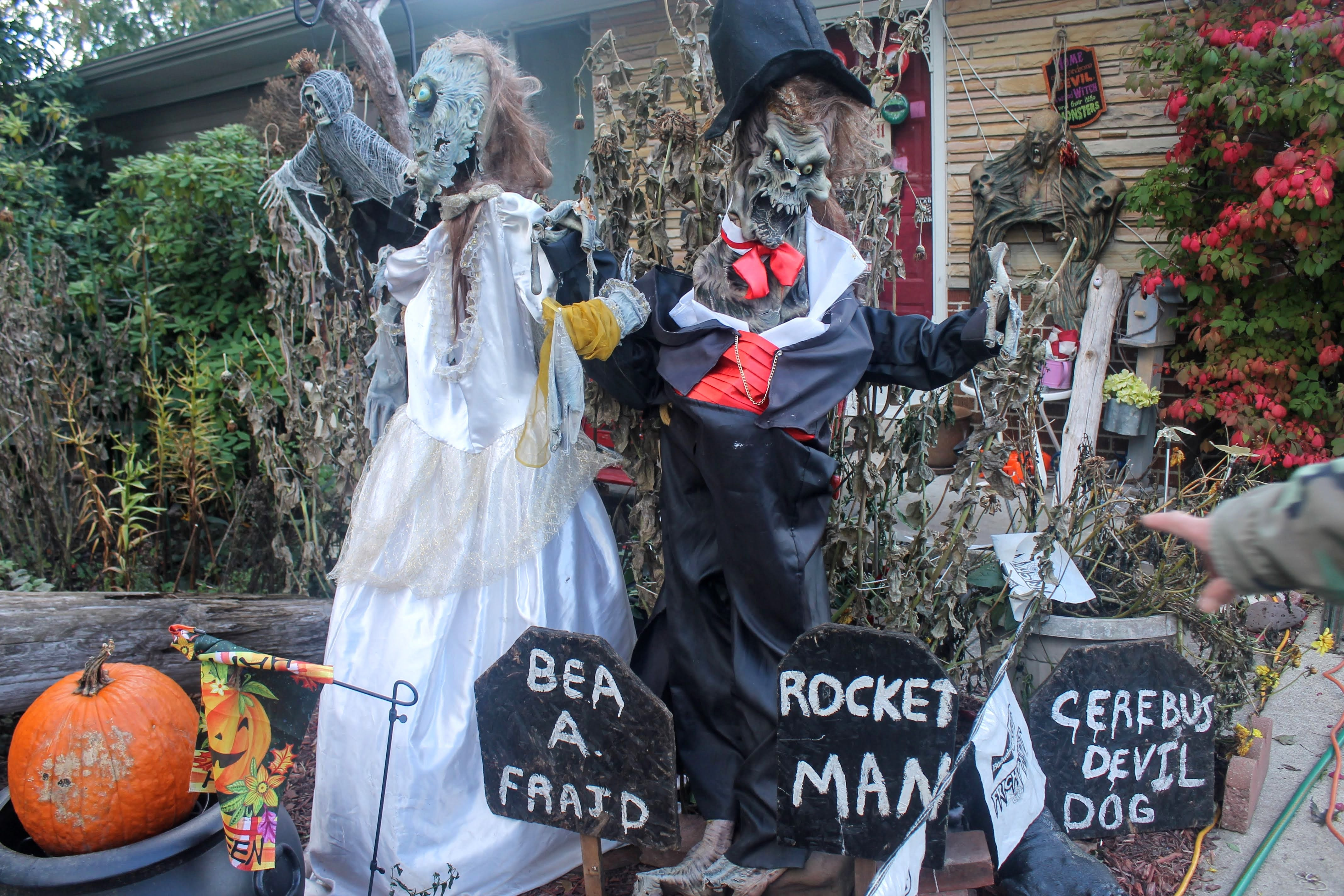 Livonia House A Highlight For Halloween Decorations