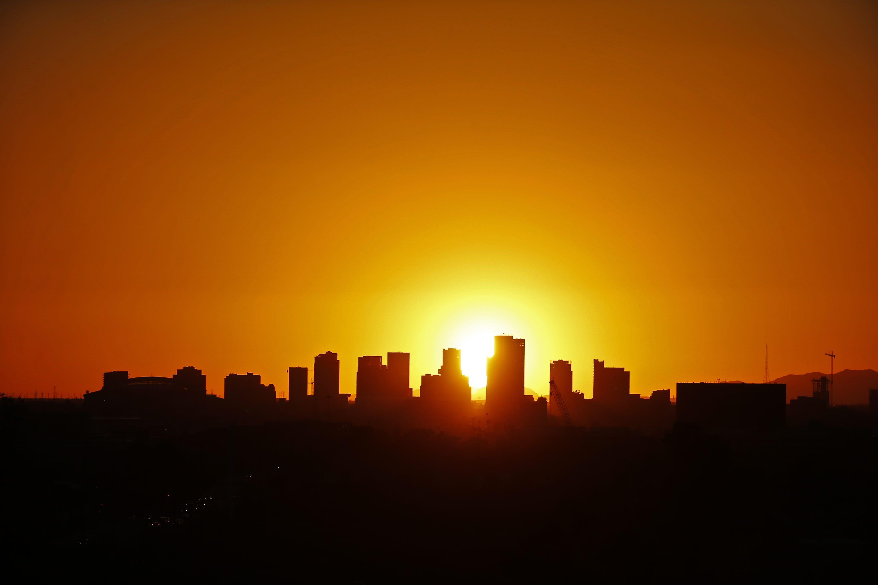 Interest rates climb and metro Phoenix home prices dip | AZ Central