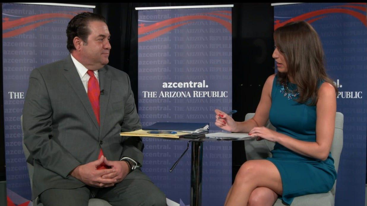 Attorney General Mark Brnovich speaks with Arizona Republic reporter Maria Polletta during a liveinterview on Monday, Oct. 22, 2018.