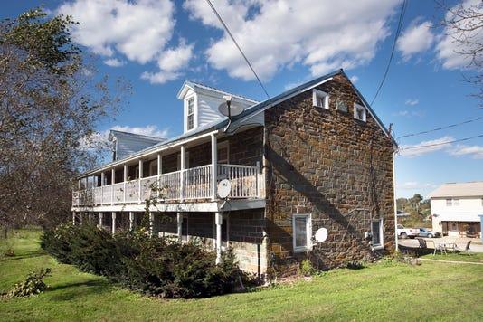 1-Ydr Pmk 101718 Gray Goose Manor
