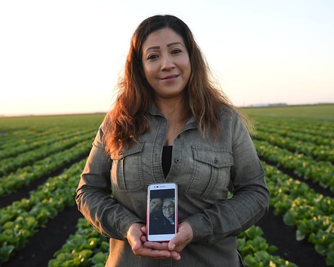 After more than 15 years being separated, María Ramírez was finally able to travel back to her hometown in México to reunite with her mother. She doesn't have any photos of her and her mother, other than the selfies she took on her cell phone.