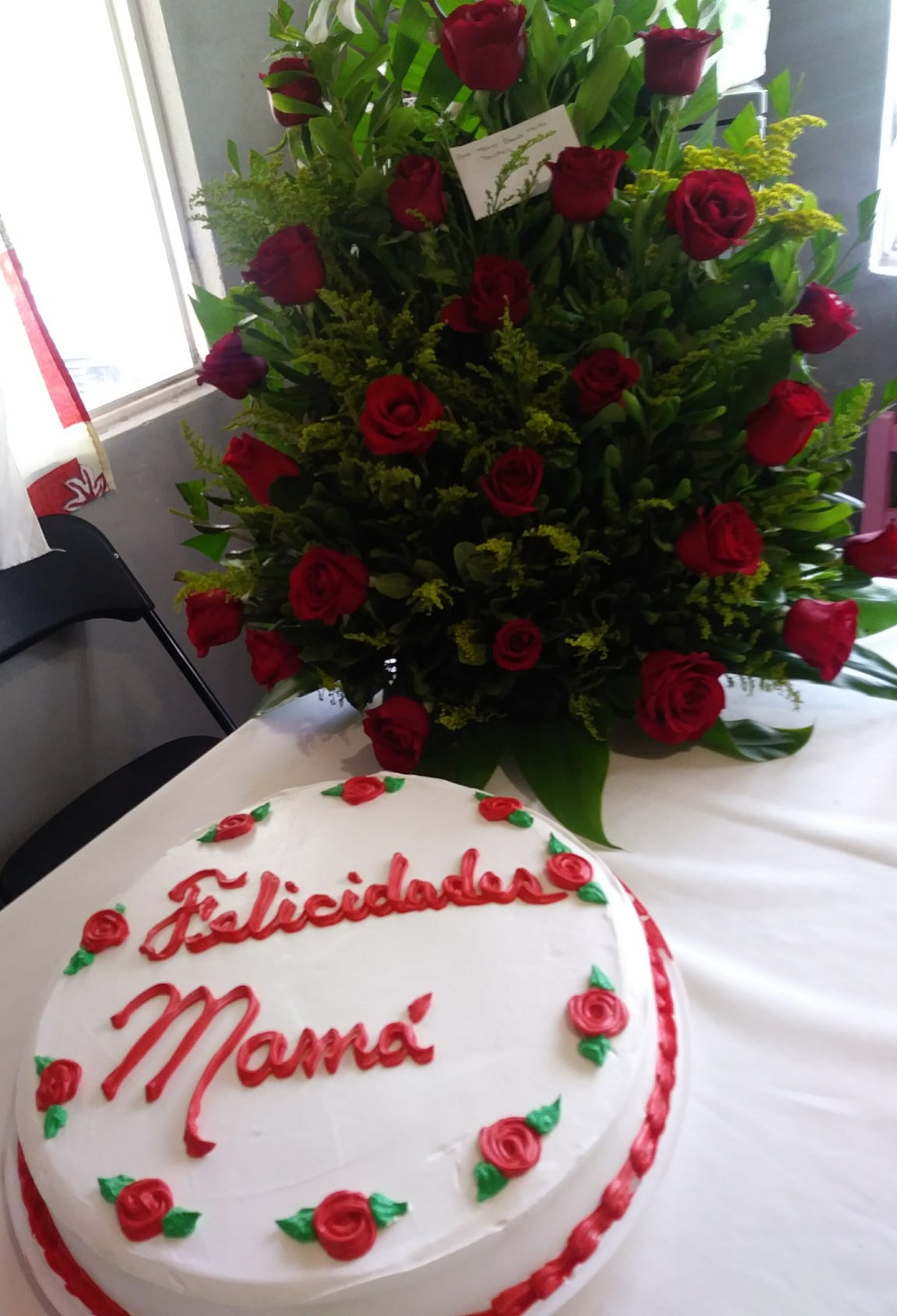 The birthday cake for María Elena Maya Sánchez.