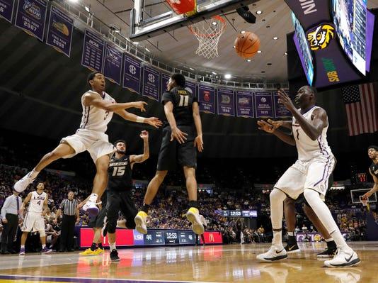 Ncaa Basketball Missouri At Louisiana State