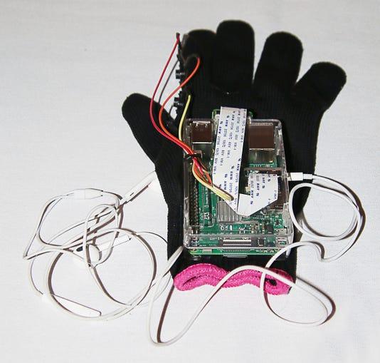 Omar 11 Glove