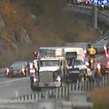 Traffic: Truck crashes cleared on I-87 S/B, I-84 E/B