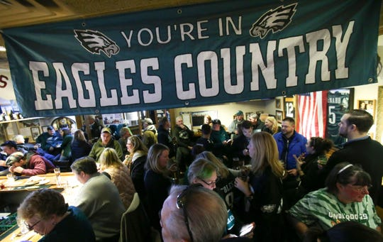 An early morning Philadelphia Eagles game in London on Sunday means bars and restaurants will open early to cater to fans.