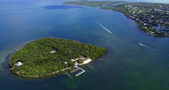Pumpkin Key island in Florida
