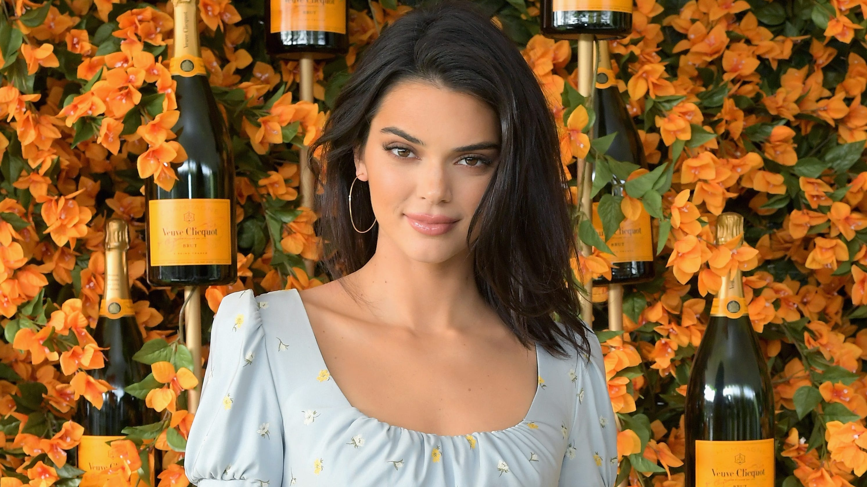 ae7c825ae84  Keeping up with the Kardashians  star Kendall Jenner visits Desert X in  Palm Springs
