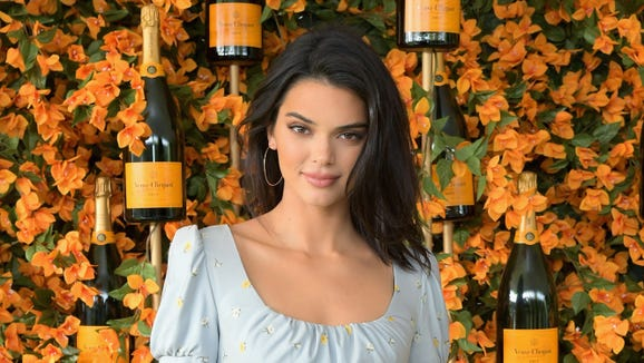 315579064b Vogue on Kendall Jenner photo with  afro   We  did not mean to offend