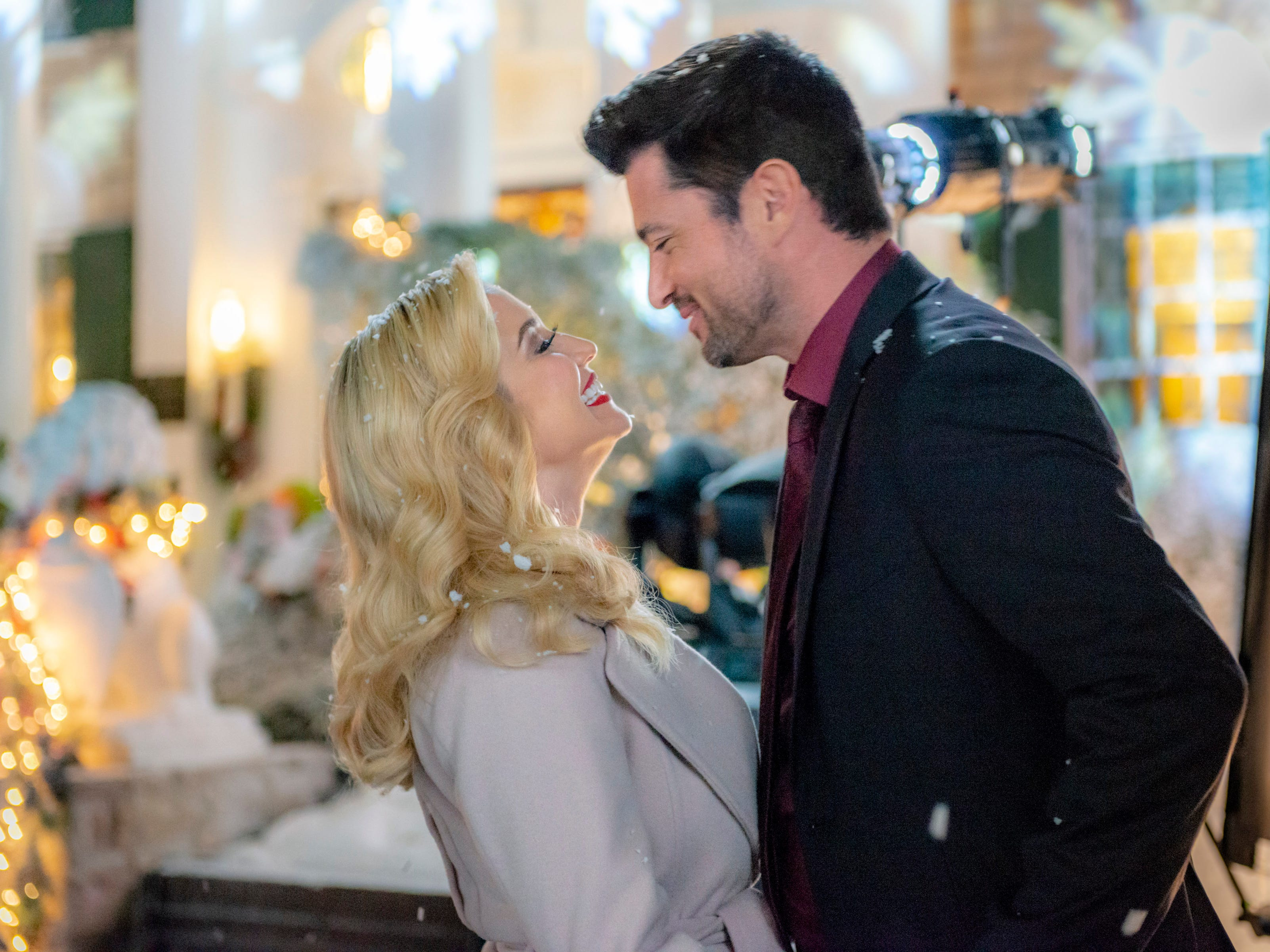 """""""Christmas at Graceland"""" (Hallmark, Nov. 17, 9 EST/PST): Laurel (Kellie Pickler) reunites with her old flame, music promoter Clay (Wes Brown), who reminds her of their time together as a musical duo before she left Memphis to pursue her business aspirations."""