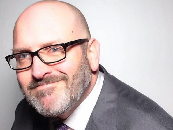 'Blogger Bob' Burns, TSA's surprise social media star, dies