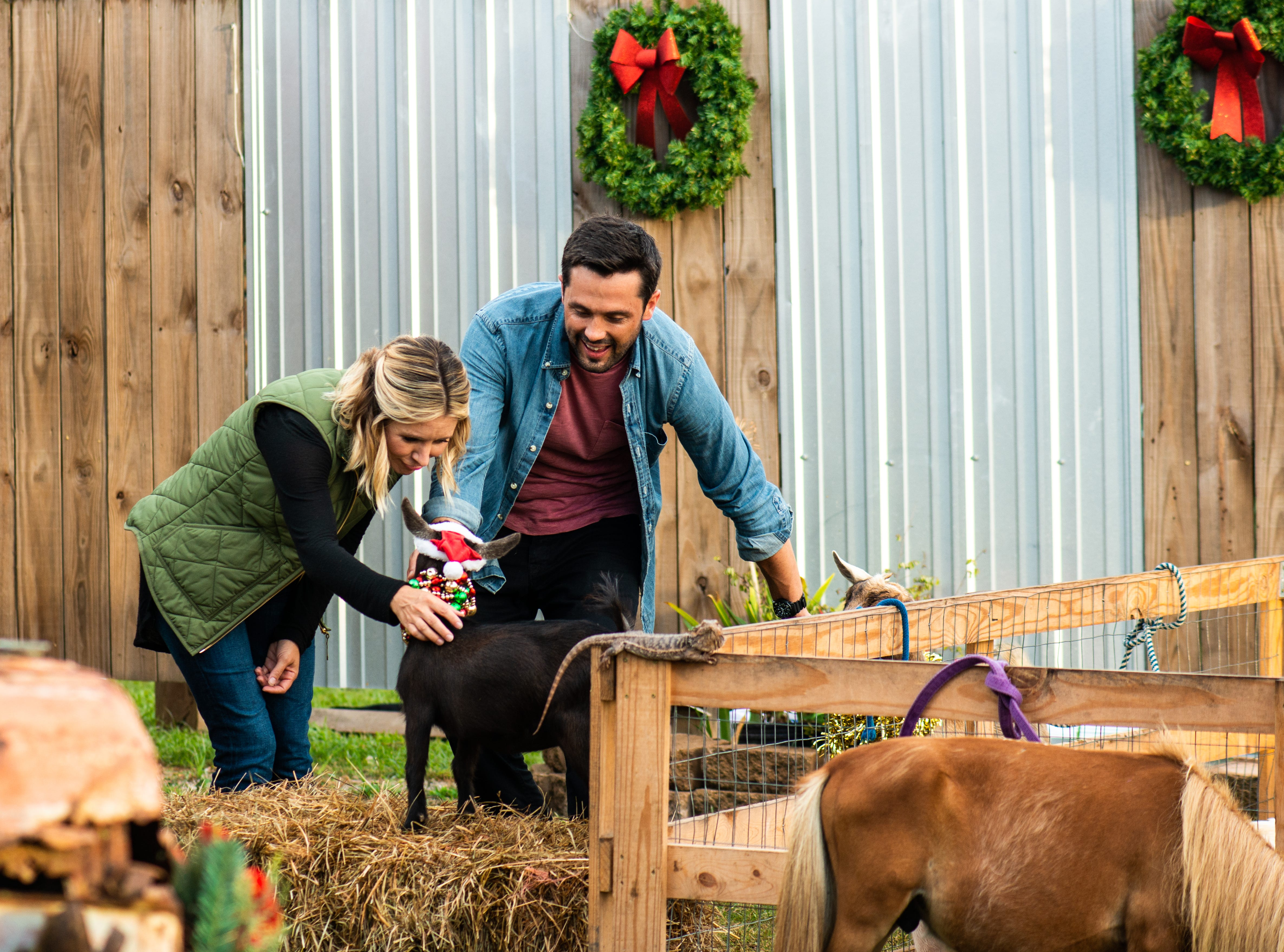 """""""Hometown Christmas"""" (Lifetime, Dec. 16, 8 EST/PST): Noelle Collins (Beverley Mitchell) returns home for Christmas where she's reunited with her high school sweetheart, Nick Russell (Stephen Colletti)."""