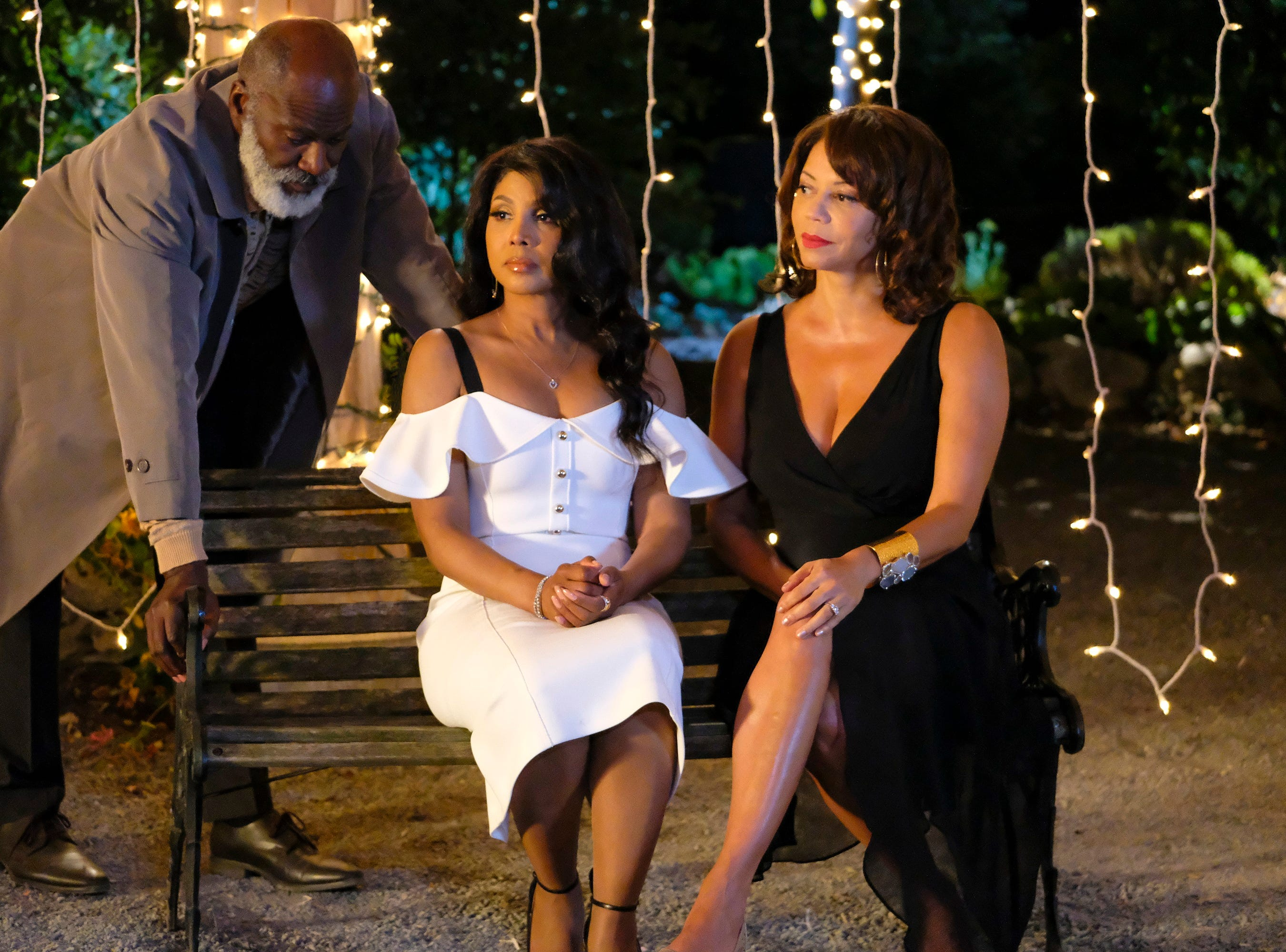 """""""Every Day is Christmas"""" (Lifetime, Nov. 24, 8 EST/PST): Alexis Taylor (Toni Braxton) learns to embrace the spirit of Christmas."""