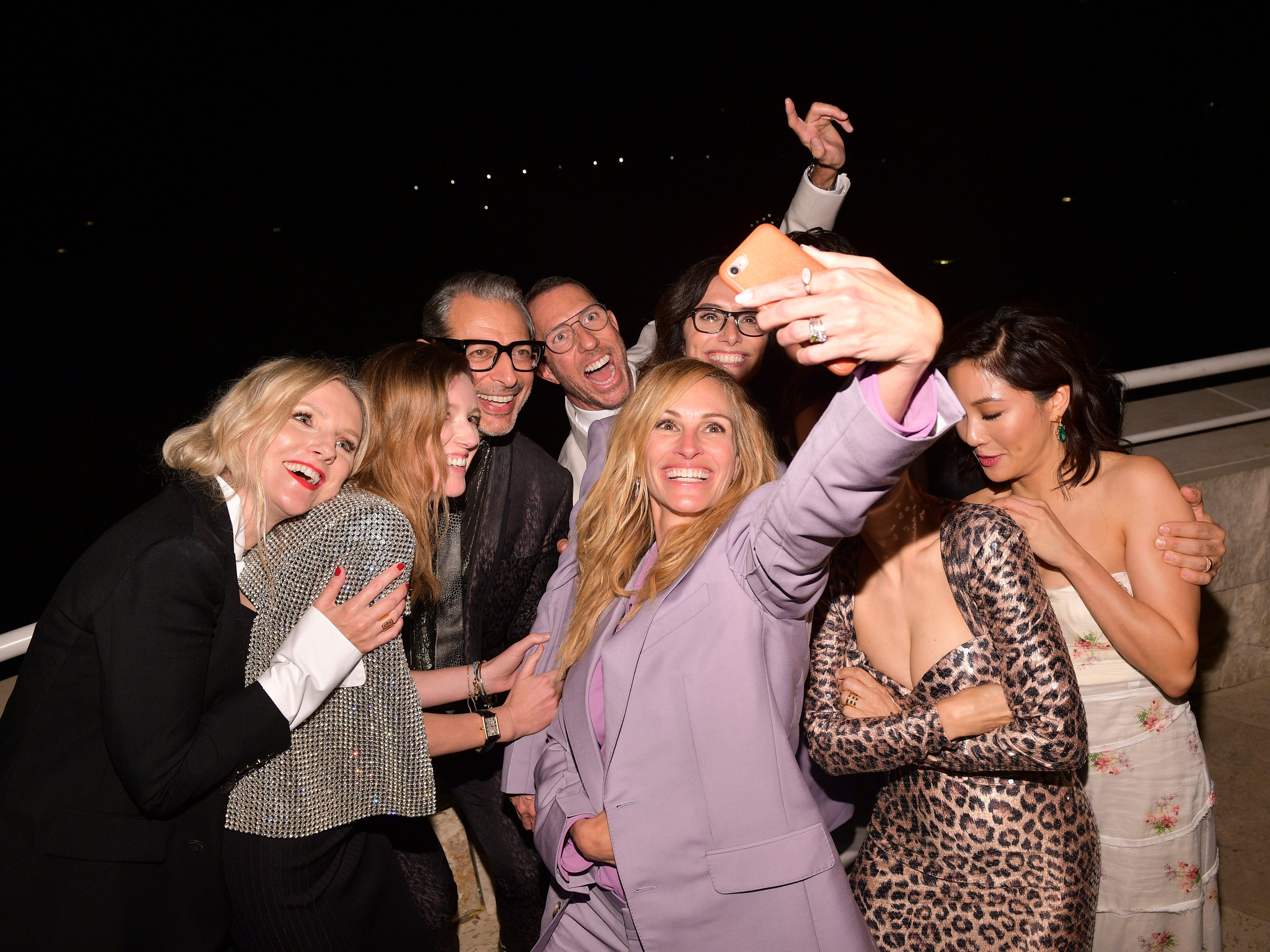 LOS ANGELES, CA - OCTOBER 22:  (L-R) InStyle Magazine Editor in Chief Laura Brown, Clare Waight Keller, Jeff Goldblum, Chris McMillan, Julia Roberts, Elizabeth Stewart, James Kaliardos, Karla Welch, and Constance Wu attend the 2018 InStyle Awards at The Getty Center on October 22, 2018 in Los Angeles, California.  (Photo by Matt Winkelmeyer/Getty Images for InStyle) ORG XMIT: 775245208 ORIG FILE ID: 1052792926