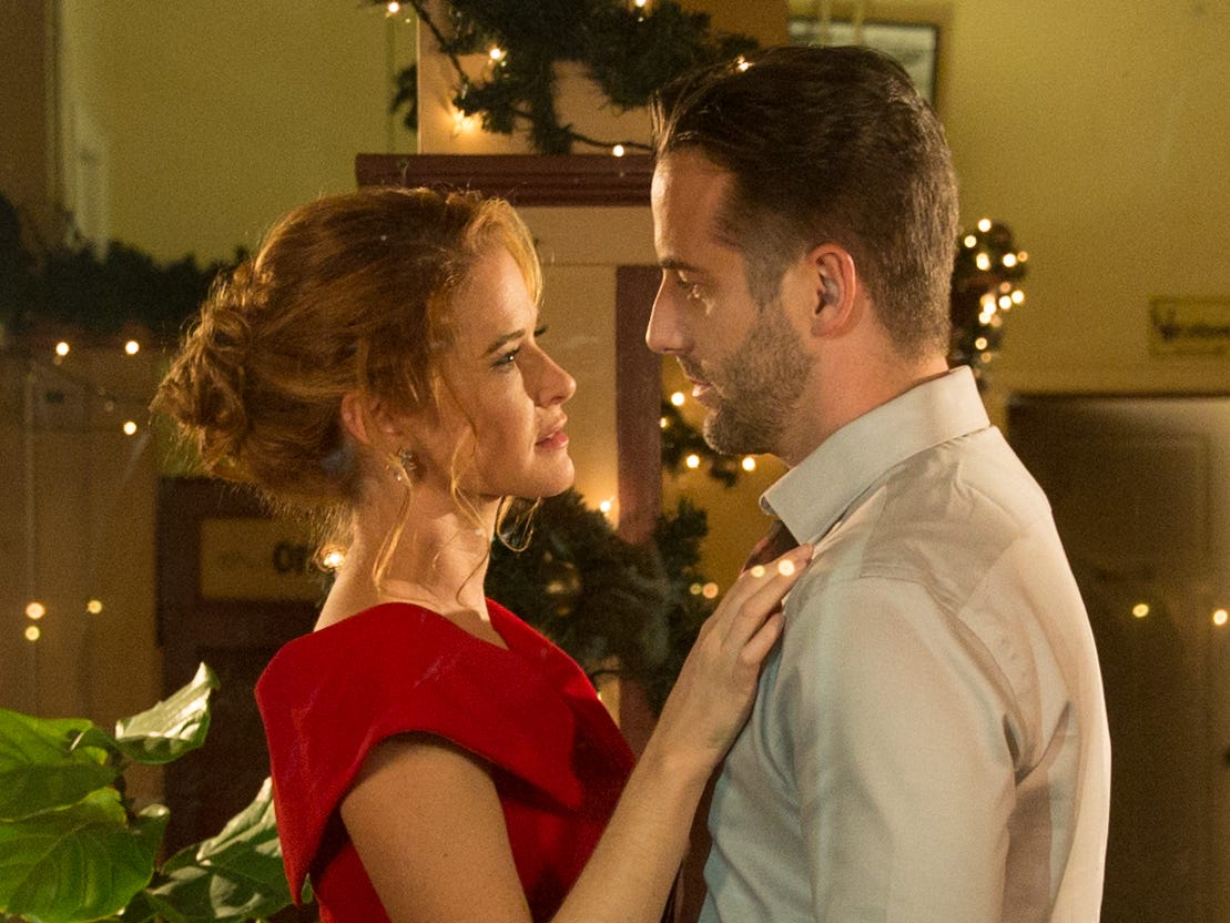 """""""Christmas Pen Pals"""" (Lifetime, Dec. 15, 8 EST/PST): Hannah (Sarah Drew) is reunited with her high school boyfriend, Sam (Niall Matter), when she goes home for Christmas."""