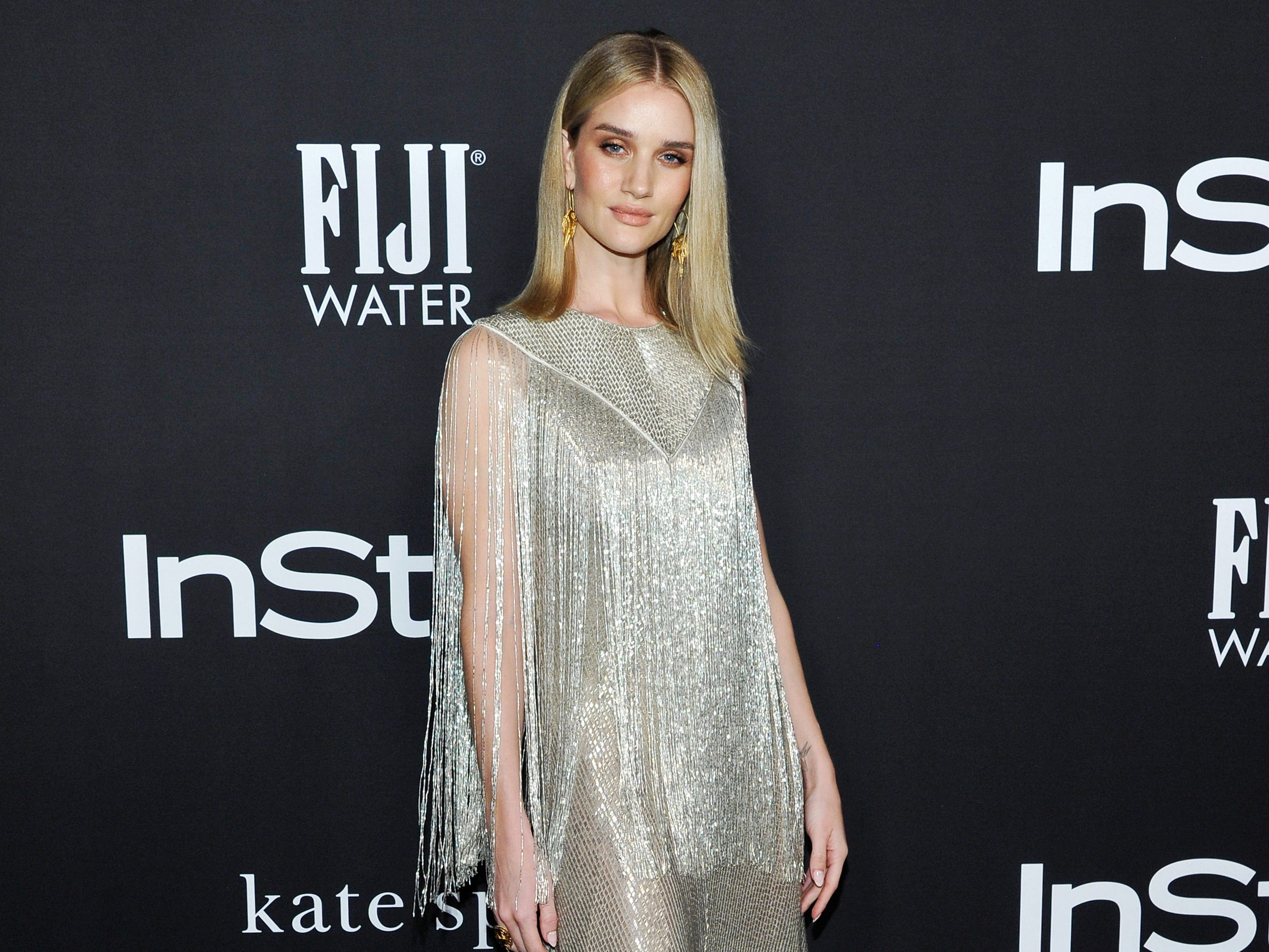 LOS ANGELES, CA - OCTOBER 22:  Rosie Huntington-Whiteley attends the 2018 InStyle Awards with Fiji Water on October 22, 2018 in Los Angeles, California.  (Photo by John Sciulli/Getty Images for FIJI Water) ORG XMIT: 775244144 ORIG FILE ID: 1052785976