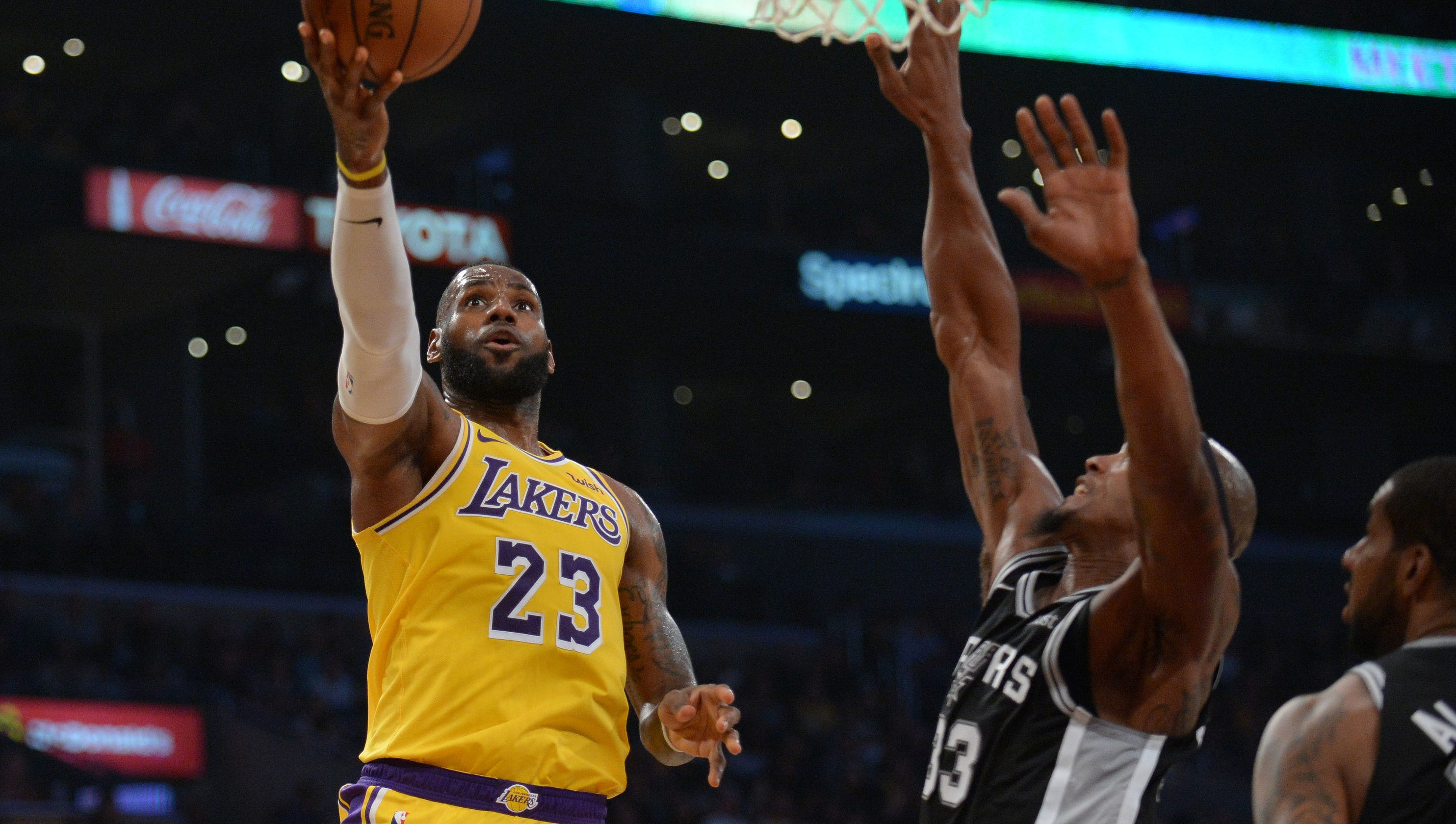 33c11a4db Lakers miss chance at first win with LeBron James