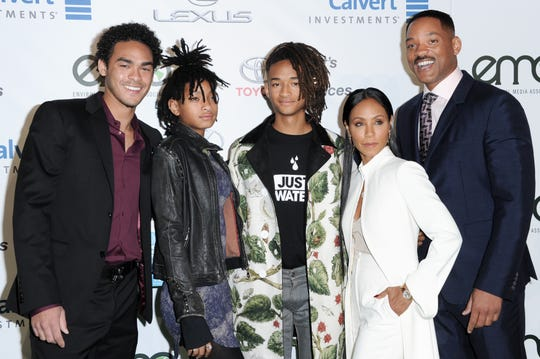 Trey Smith, from left, Willow Smith, Jaden Smith, Jada Pinkett Smith and Will Smith attend the 26th Annual EMA Awards at Warner Bros. Studio on Saturday, Oct. 22, 2016, in Burbank, Calif. (Photo by Richard Shotwell/Invision/AP) ORG XMIT: CAPS101