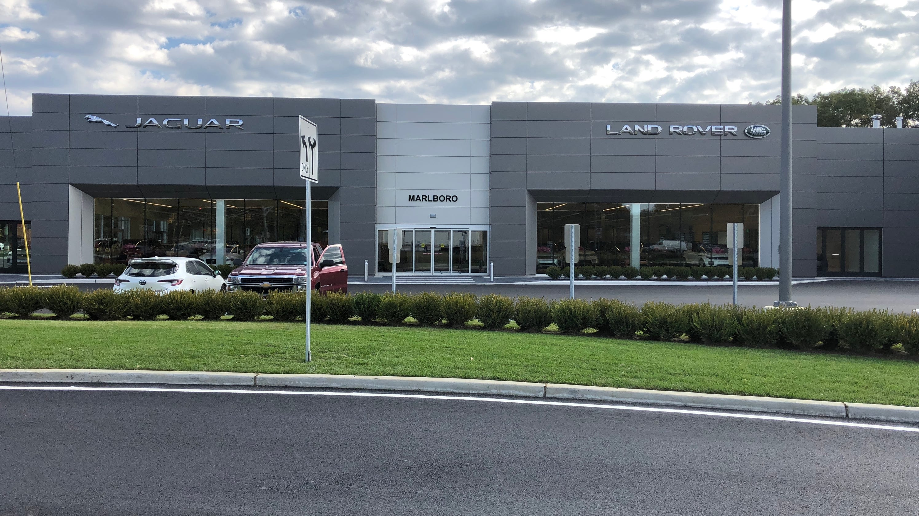 ray catena opens gleaming jaguar land rover dealership in marlboro