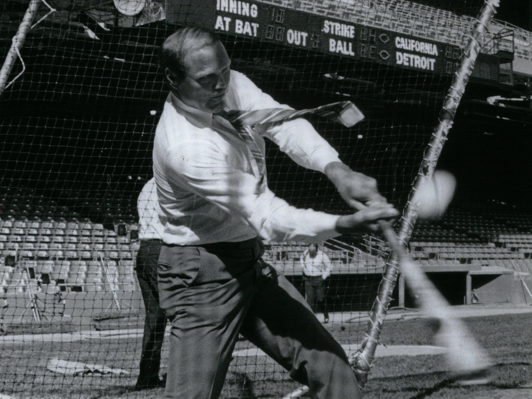 Former Tigers catcher Bill Freehan takes a practice swing on Aug. 19, 1986, in preparation for the old-timer's game at Tiger Stadium.