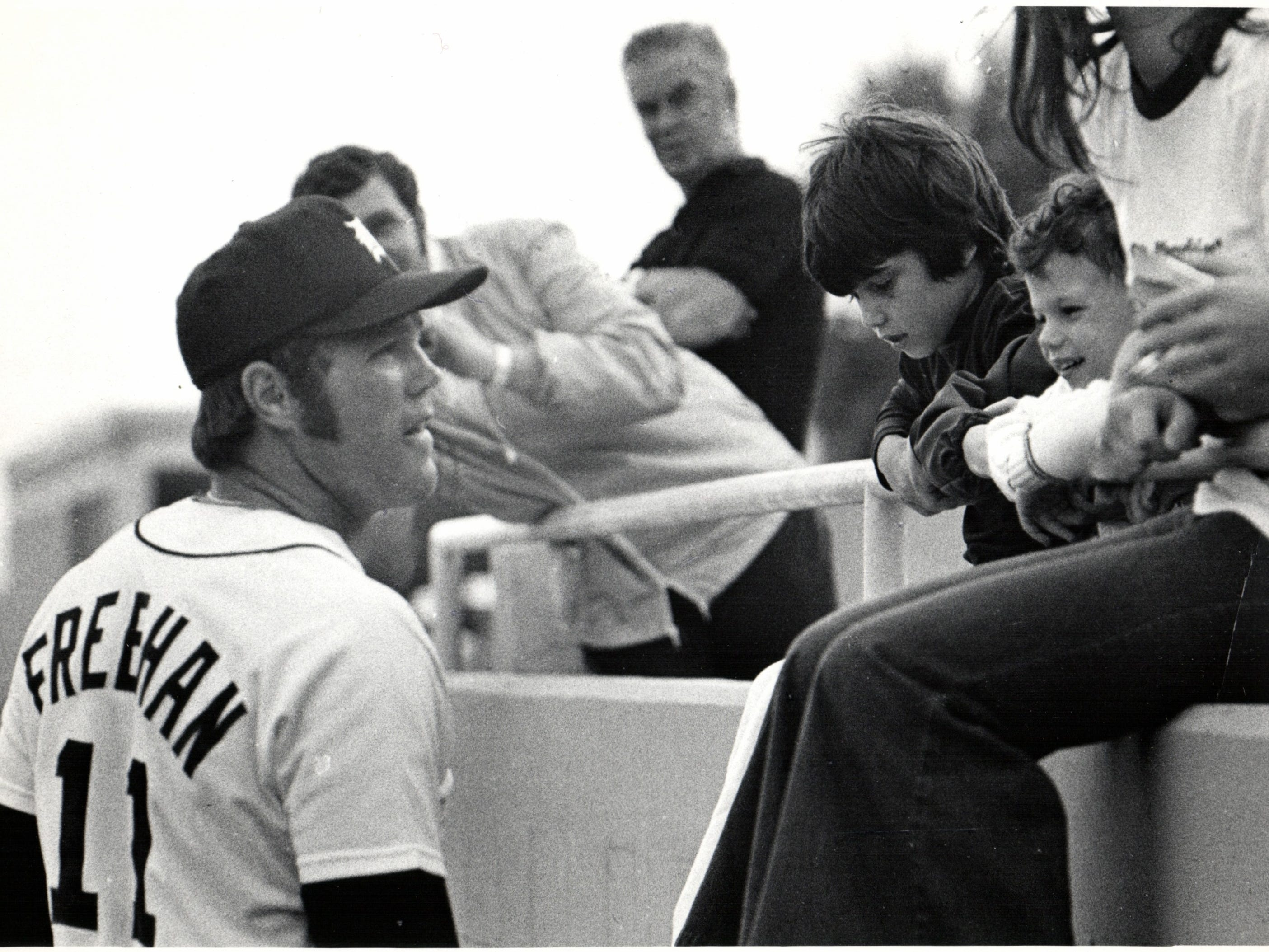 Tigers catcher Bill Freehan talks to a few fans during spring training in Lakeland, Fla., on March 16, 1973.