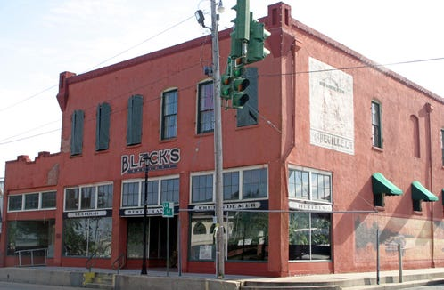 Black's Oyster Bar is pictured in this 2005 Advertiser file photo.