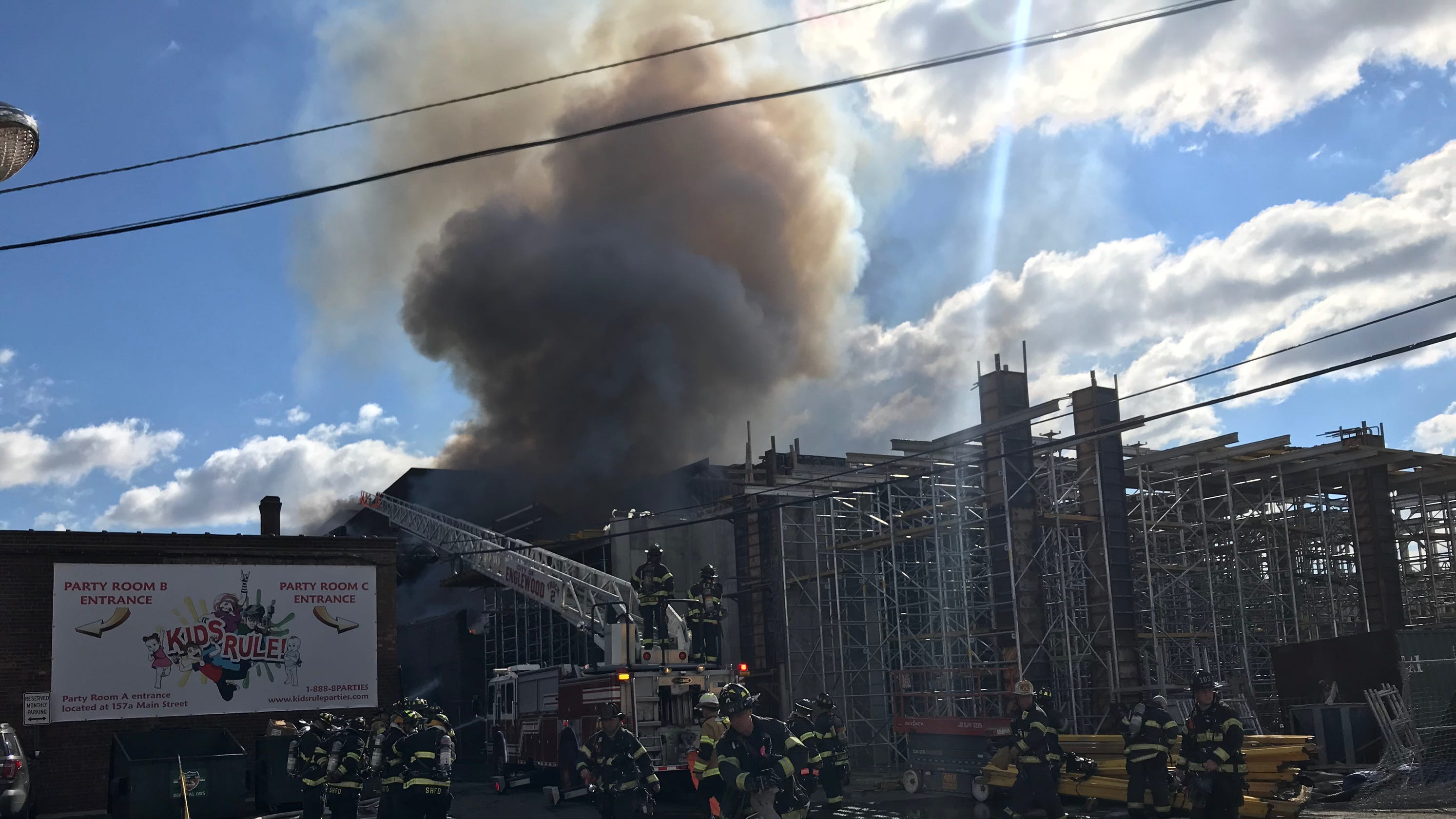 Enjoyable Hackensack Nj Fire What We Know About The Furniture Store Blaze Download Free Architecture Designs Scobabritishbridgeorg