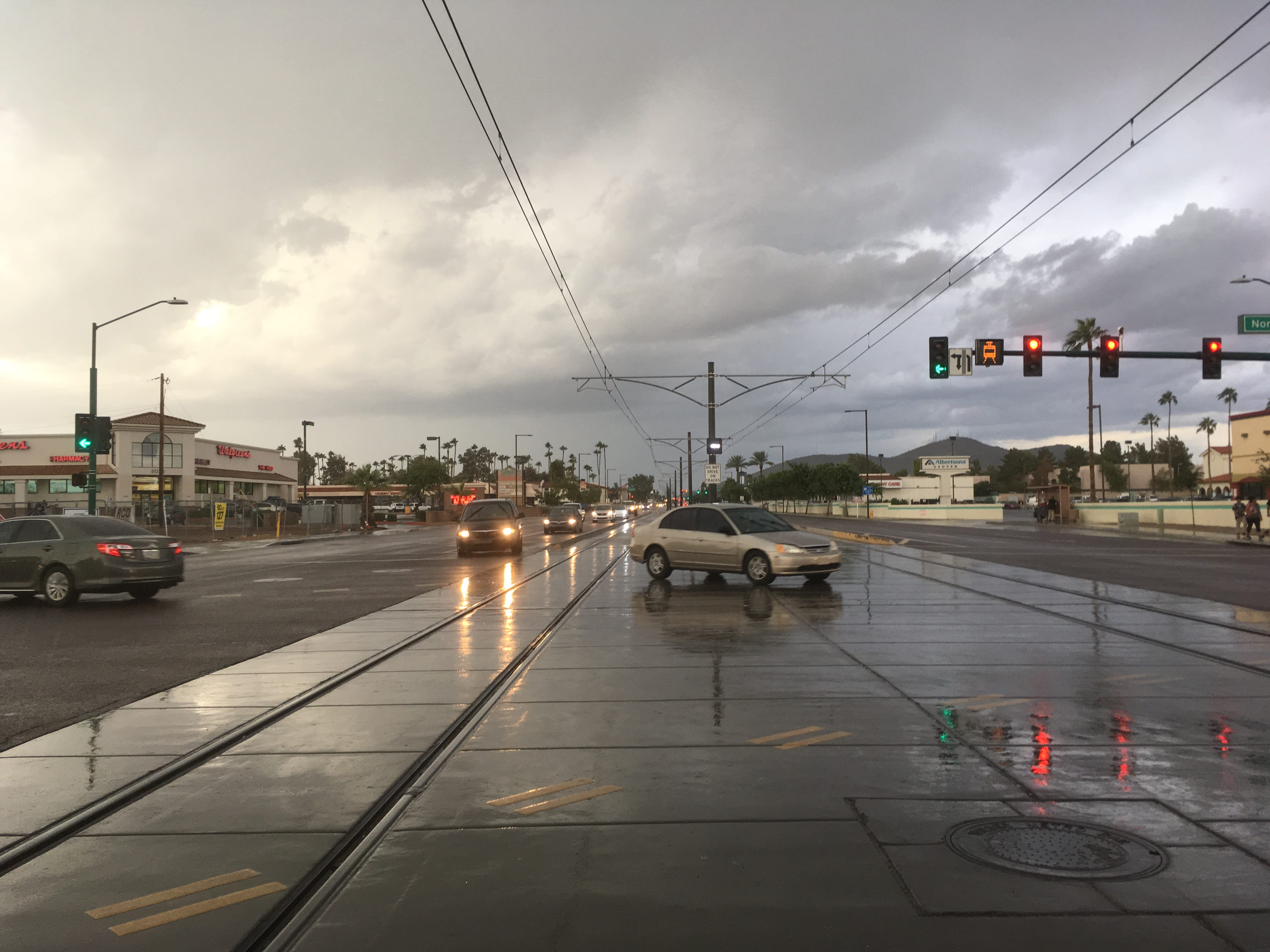 Storms bring rain, hail to parts of Phoenix area