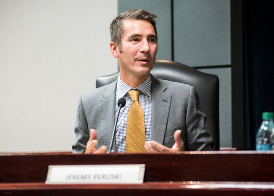 Independent candidate Jeremy Perusky speaks in a forum for candidates Wednesday, Oct. 24, 2018 at Marysville City Hall. Perusky, who left his job in advising technology companies a year ago, is the first independent candidate in the district in many years,