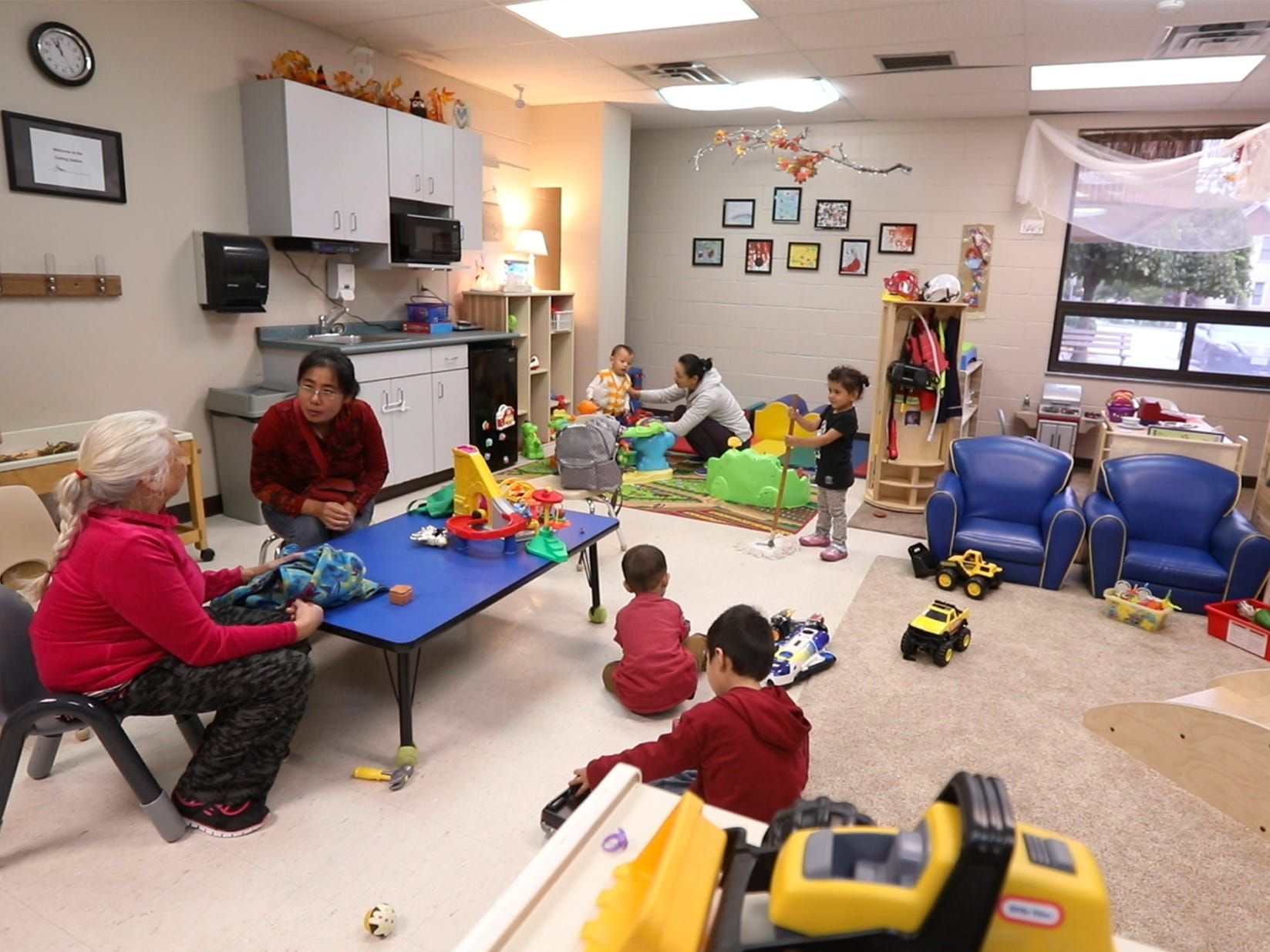 Glengarry EarlyON Child and Family Centre gives a chance for parents and caregivers to connect with each other and receive services if needed.
