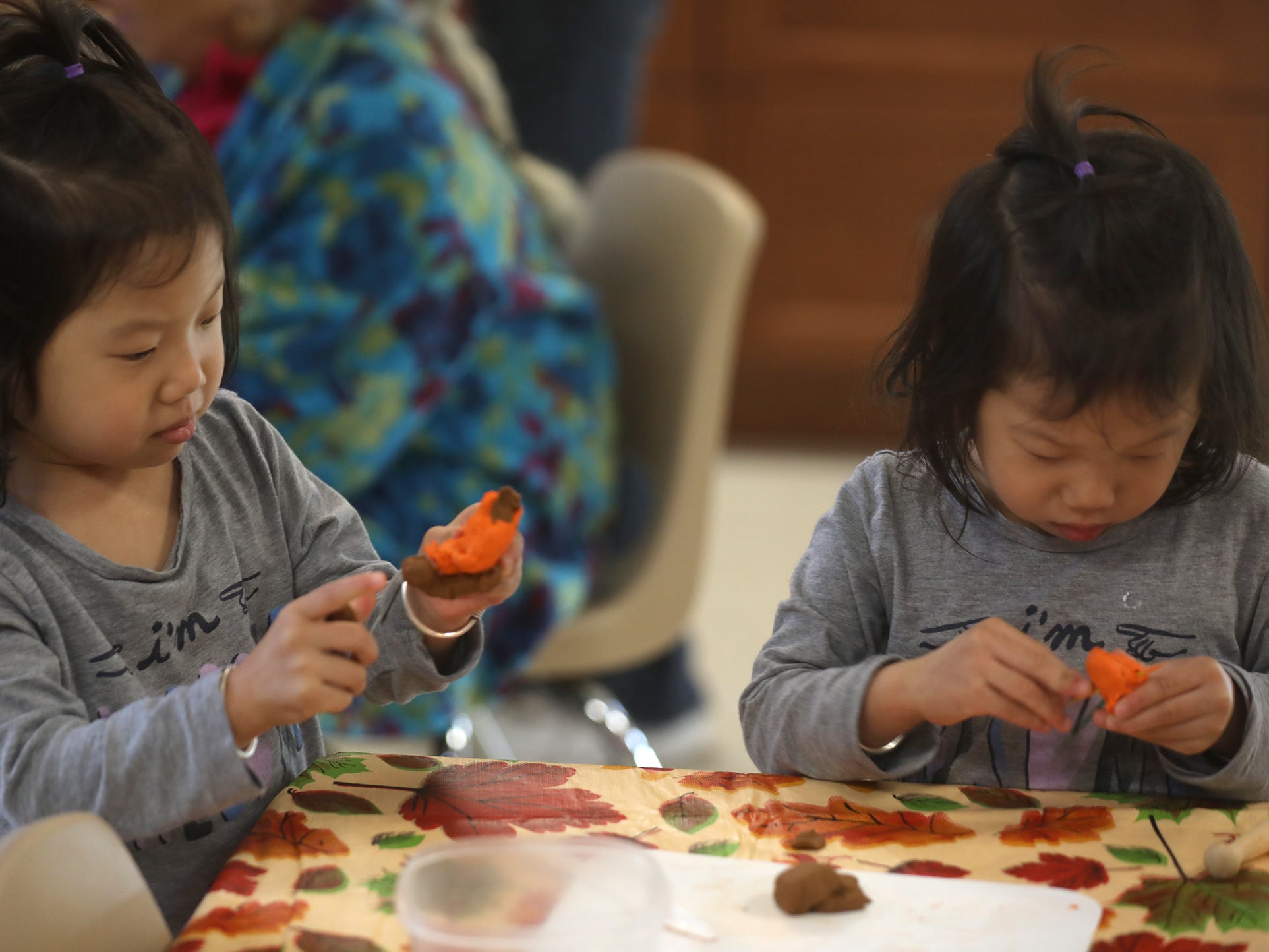 Marilyn and Maria Gao parallel play at the  Glengarry EarlyON Child and Family Centre, Oct. 15, 2018.