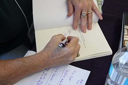 1031 Ynsl Library Book Signing