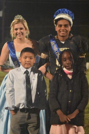 Notre Dame Catholic School recently crowned their 2018 Homecoming Queen and King, Ellen Parkey, back left, and Jaycob Ysasaga. Flower attendants were second-graders Jacob Ho, bottom left, and Florianne Ojong.